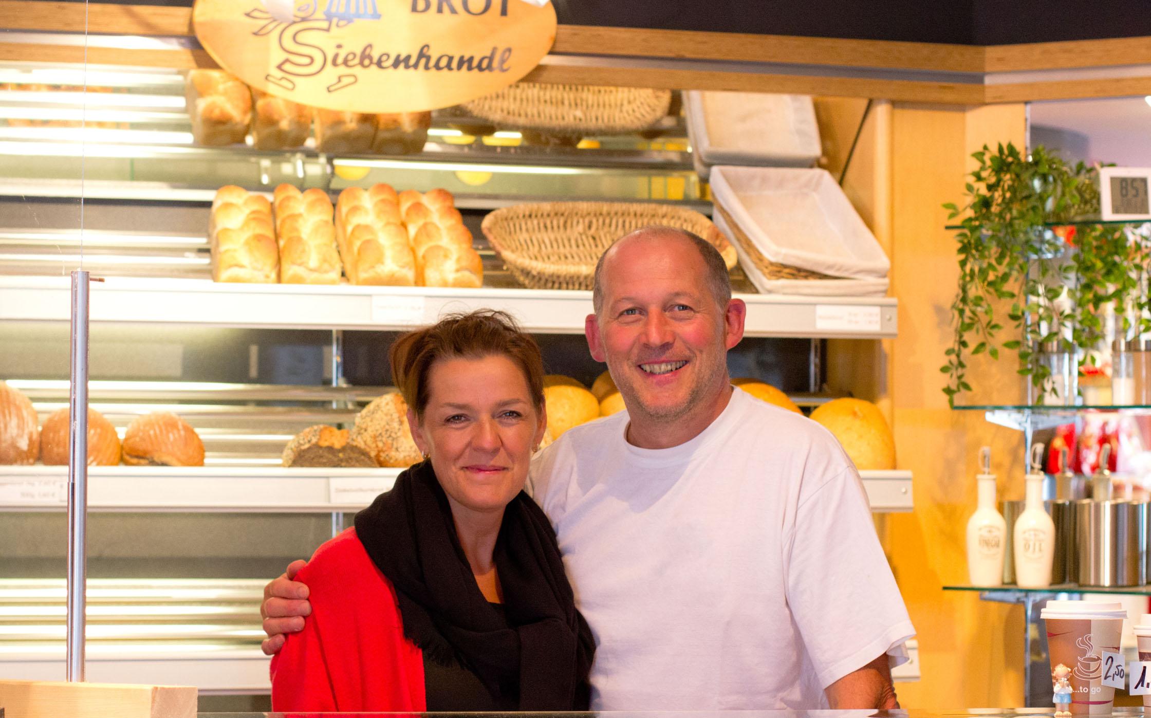 Kerstin und Josef Siebenhandl in ihrem Geschäft
